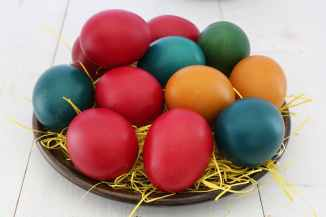 red orange and green printed eggs screenshot